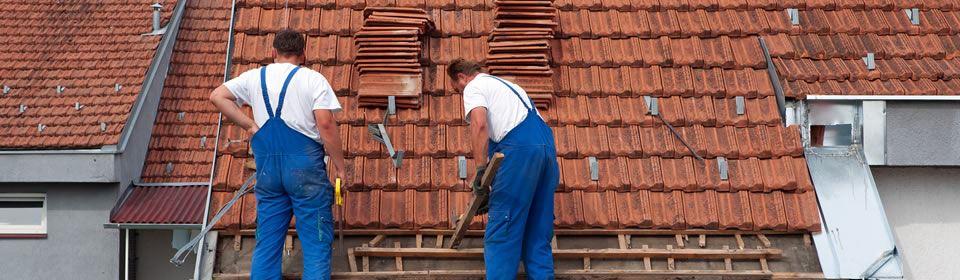 dakdekkers aan het werk